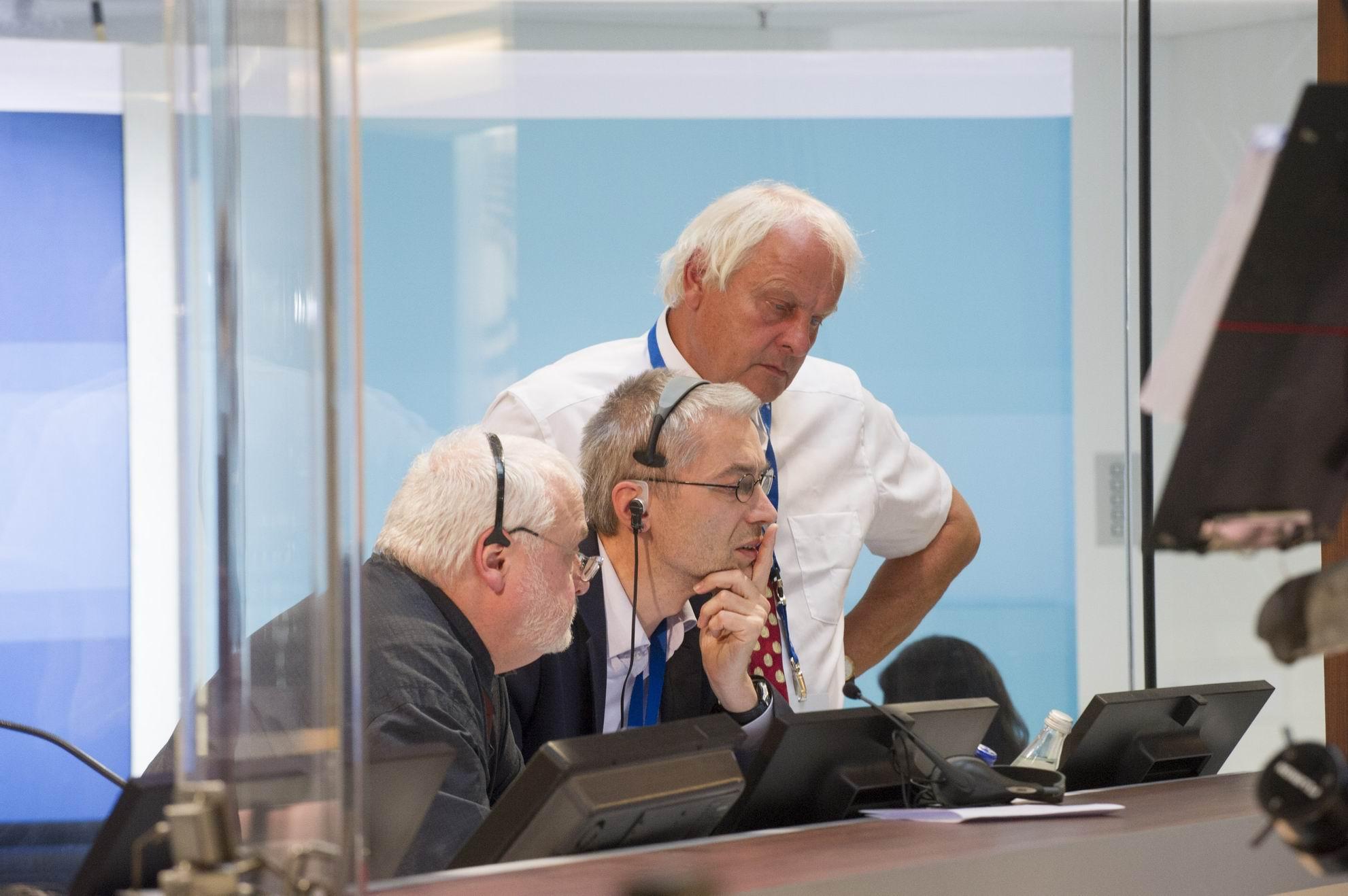 Knut Holzscheck, Michael Kunert (heute Geschäftsführer von Infratest dimap) und Reinhard Schlinkert (Geschäftsführer von dimap) bei der Bundestagswahl und Landtagswahl 2013